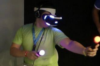 Florian Müller spielt die Project Morpheus Demo bei Sony